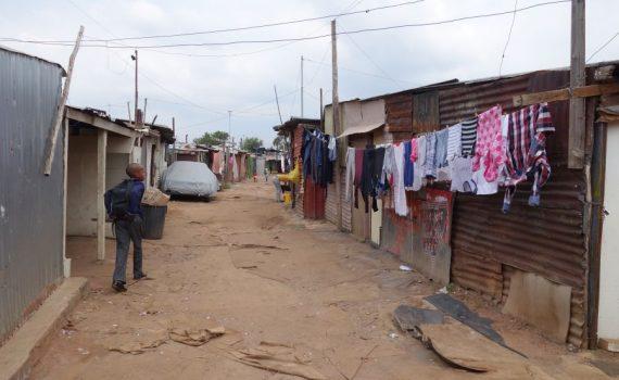 een plakkerskamp in Johannesburg